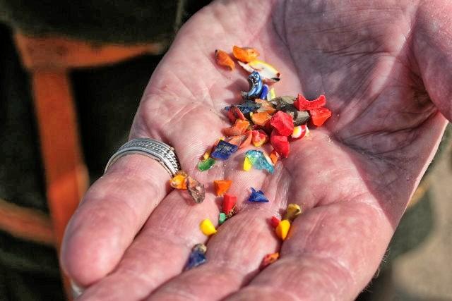 Reste von Glasperlen - Wikinger Museum Haithabu WHH 09-04-2011